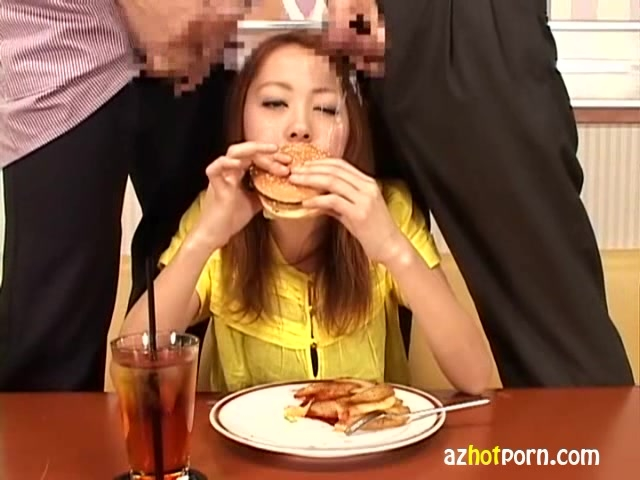 反応してはイケないシリーズ?レストランで食事中にぶっかけられる星川麻美
