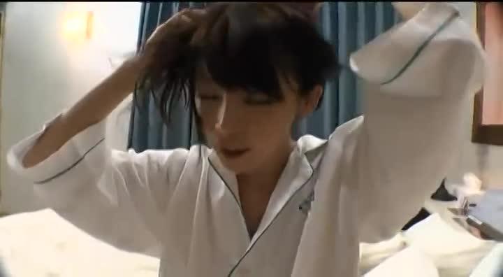 ナンパ動画:新井エリー