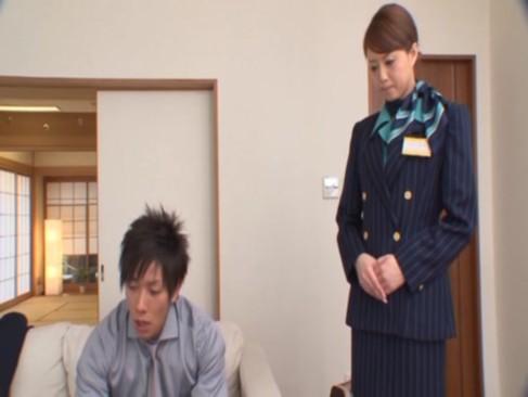 吉沢明歩がCA姿で誘惑フェラ、腰フリ、美しい脚がエロいパンストフェティシズム