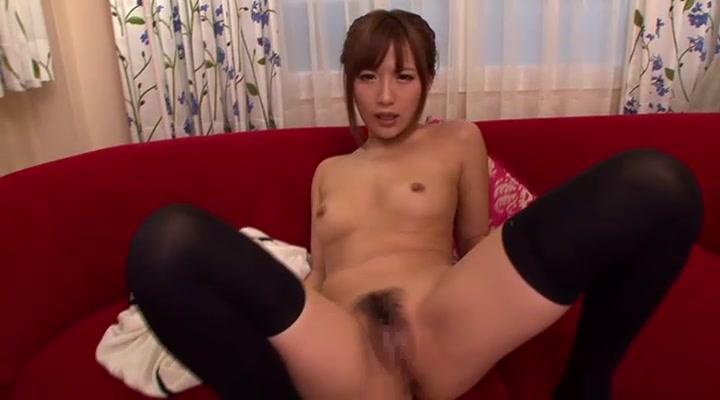 オナニー見せつけながら膣に精子かけさせ自ら中に押し込む変態ギャル水谷心音