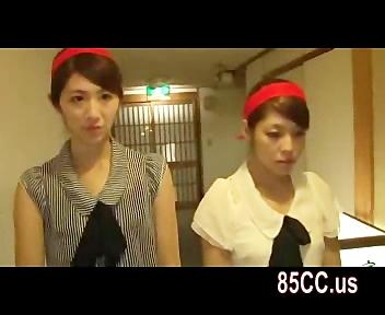 紅白の鉢巻つけてゲームに参加→負けたお姉さんを乱交調教!