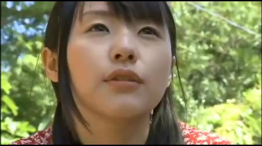 性欲旺盛な少女が立場上逆らえない男を誘って野外で青姦パコ! つぼみ