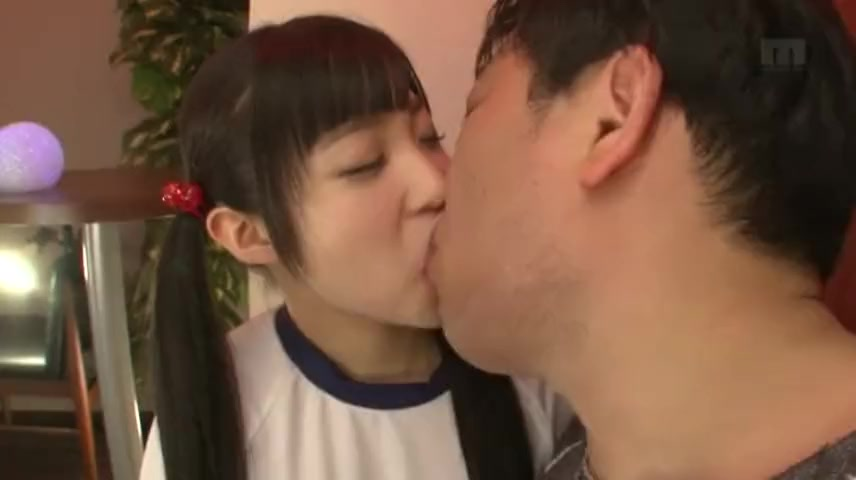 「舐めて欲しいですか?」アイドル顔なツインテ娘がキモオヤジとねっとりパコ