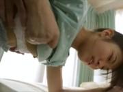 ロリ少女がチンコをブチ込まれて何とも陶酔した表情した挙句、膣内射精されるというw