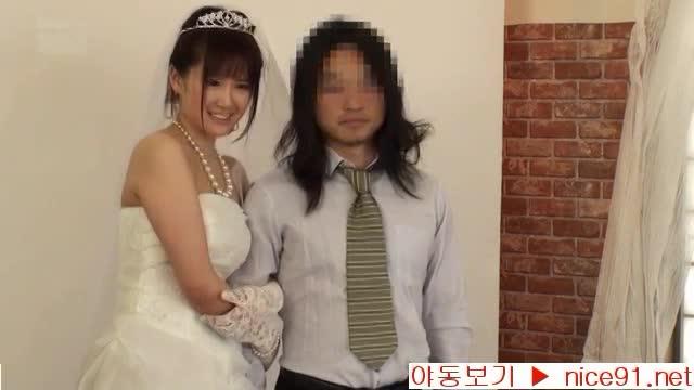 念願の結婚式前夜にスタジオでカメラマンにレイプされる花嫁