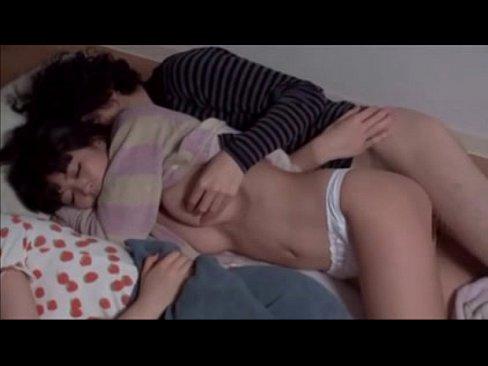 「お…おっきぃっ」寝ている美女にチンコを擦り付けてパコハメ性交!