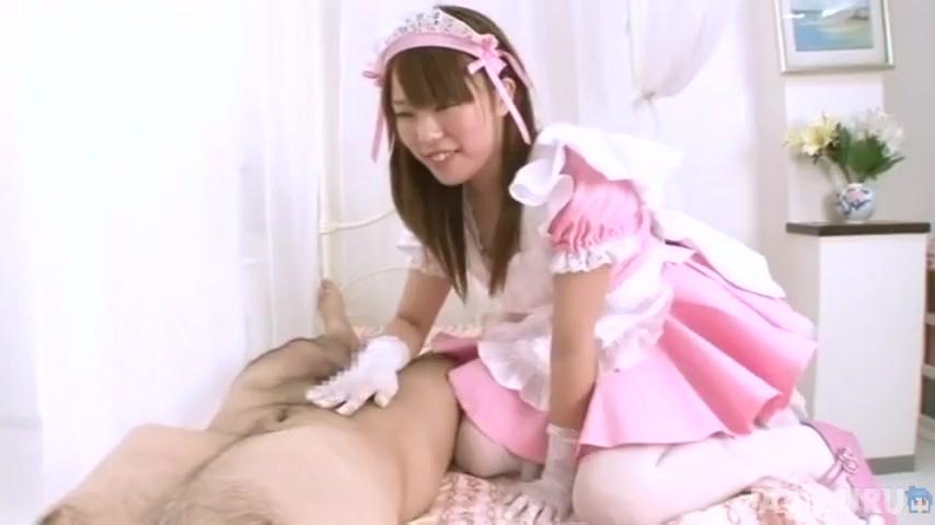 ザーメン狂いの痴女メイドがご主人様の濃厚ザーメンをオクチで搾り取る