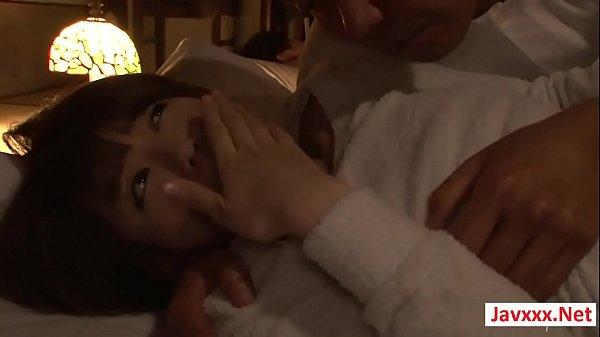 【巨乳】ダンナが隣に寝る寝室に夜這いに来るキチク義父と近親パコ