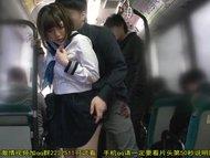 通学バスで痴漢されてそのまま中出しされるエロ動画 絶対バレるww
