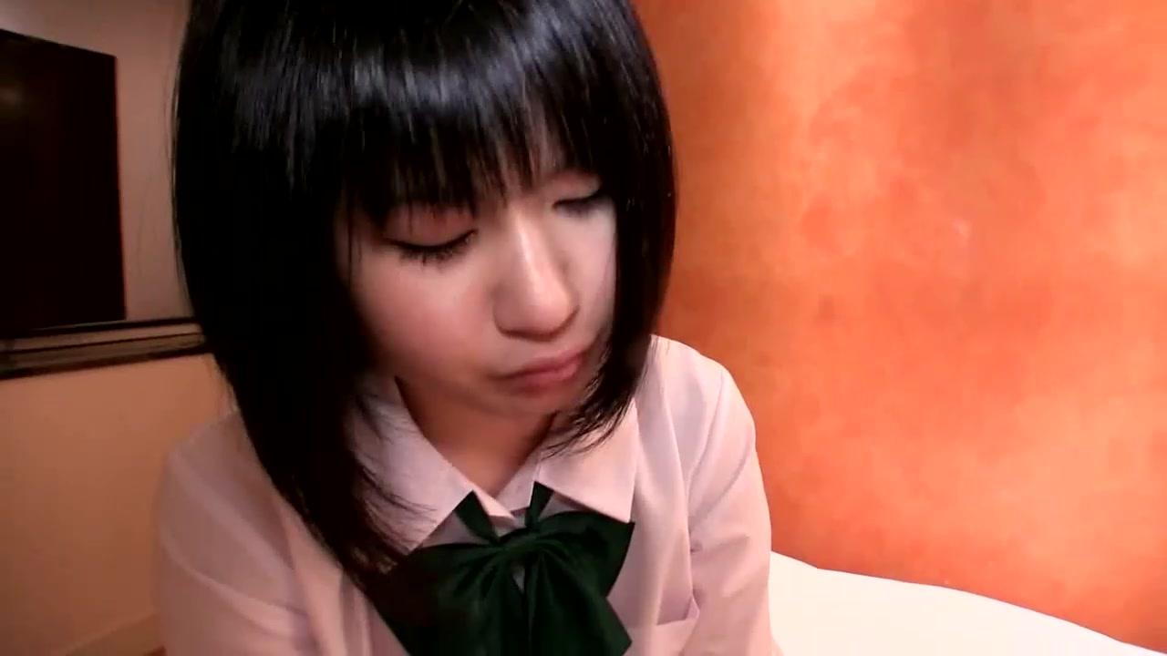 嫌がる制服美少女JKが変態おやじのベロチュー攻めに泣き顔で喘ぎ悶...