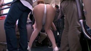 【痴女エロ動画】ハイレグレオタード姿でバスに乗り込んできた美女に誘惑されて犯されるw