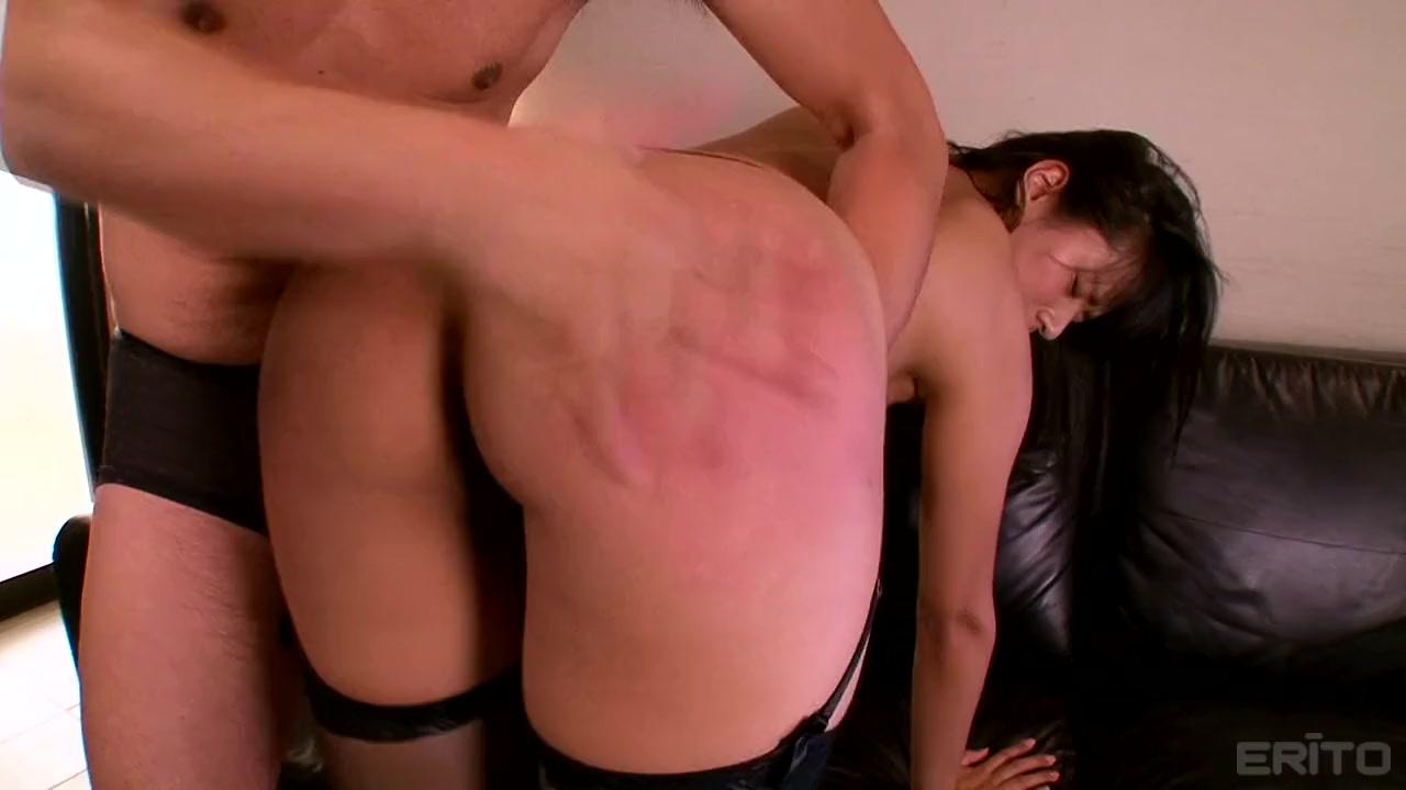 【春菜はな】黒タイツがエロい爆乳美女が淫乱なお尻をスパンキングされてアヘ顔