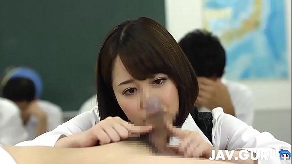 真面目に勉強しなさい!なんて言わない痴女教師の最強プレイに男子がメロメロ! 篠田ゆう