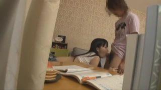 「中あったかい」女子大生家庭教師が教え子のチンポを優しく筆おろし!