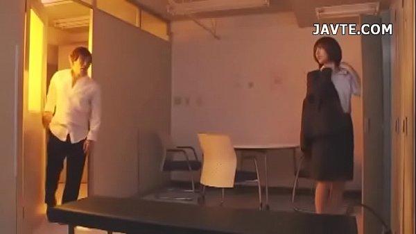 【美少女】放課後人が少なくなったところを狙われ生徒にレイプされる女教師