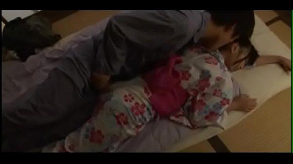 浴衣姿のまま眠りこけた妹に欲情して寝込みを襲うも、気付いた妹も中々に乗り気