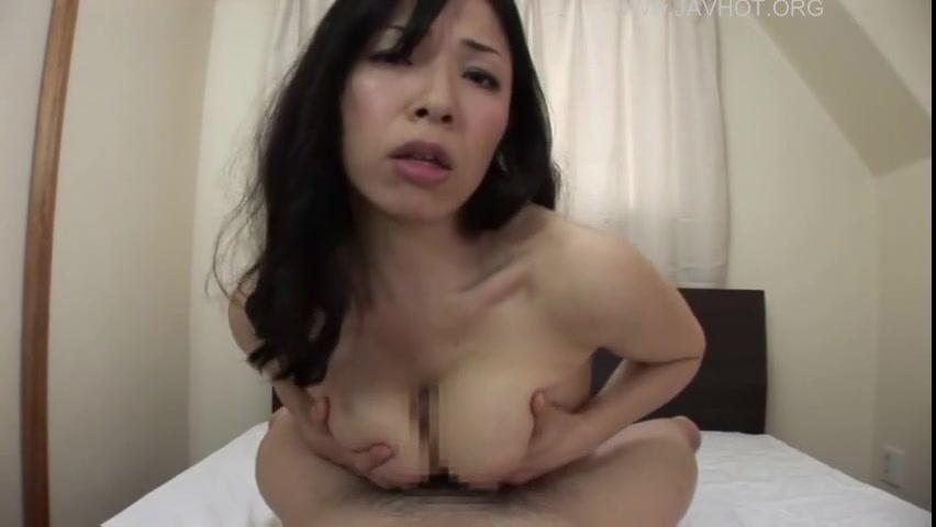 【熟女エロ動画】チンコ大好き巨乳の淫乱熟女とハメw