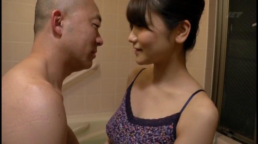 「奥まで入ってますッ」美人妻がハゲオヤジに調教されビッチ化