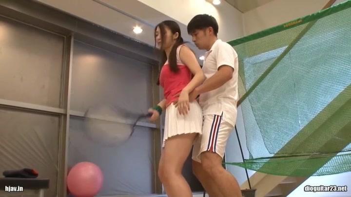 室内練習するテニス美少女が飽きてセックス