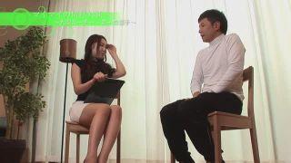 「一回だけヤりましょ?」インタビュー直後にその場で股開いちゃう美人女子アナw
