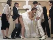 結婚式の最中、別れを惜しむ父親が花嫁にブチ込んで膣内射精wwwマジキチ一家すげぇ