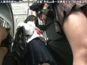 美少女JKだらけの電車内でムラついた変態男が痴漢開始→お気に娘をトイレでガチパコ