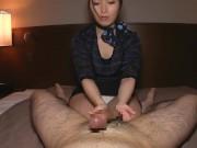 美巨乳の凄テクを持つエステティシャン美女による手コキ抜きでザーメン暴発