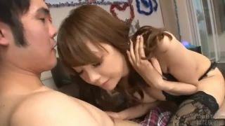 ホルスタイン乳女の子代表RIONが一般人チンポを見事な膣コキ→手コキでぶっこ抜き!
