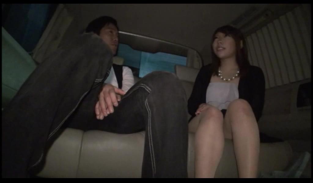 【素人エロ動画】美人なお姉さんナンパして、ホテルまで我慢できずにカーセックスしちゃったw
