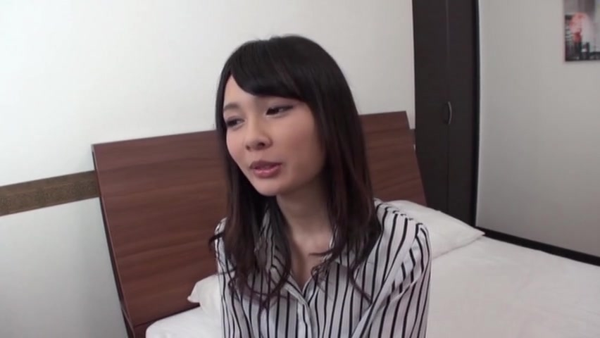 早稲田に通う清楚ロリ系素人JDに擬似SEXの撮影と騙してパイパン膣に生ハメ中出し