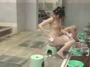 父親と男湯に入ったJSに起こる悲惨な痴漢パコ