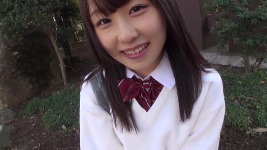 【JKエロ動画】めちゃくちゃ可愛いJKのおマンコはこれまた可愛いツルツルマンコw