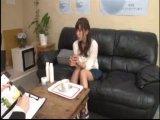 【媚薬エロ動画】媚薬を飲んでしまった美女が両手を拘束されてネットリ攻められるw