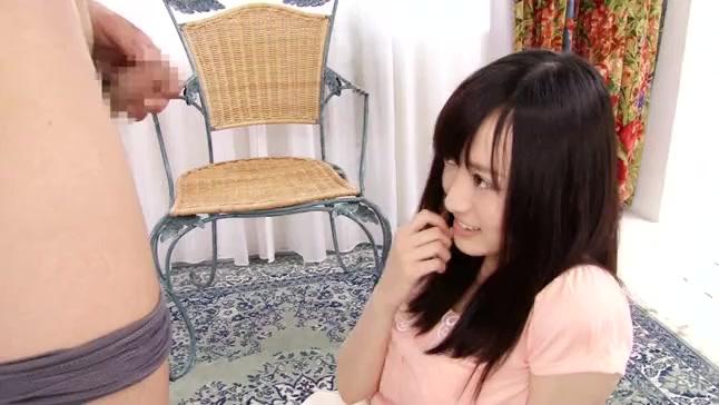 男性経験がほとんどない黒髪美少女がザーメンの発射を目の前にして驚愕!