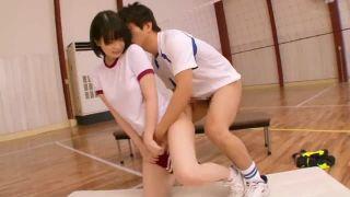 体操着姿の美少女JKが発情した友人に襲われてパコ→ピスハメに潮吹きアクメ