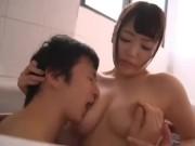 彼女のお姉さんが良い具合な肉付き巨乳で美人さんでお痴女様だった 浜崎真緒