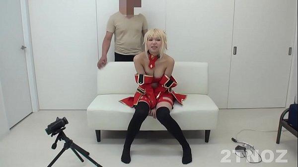 エロ専門のコスプレイヤー少女が円光撮影会に・・・なんて性に奔放な未成年
