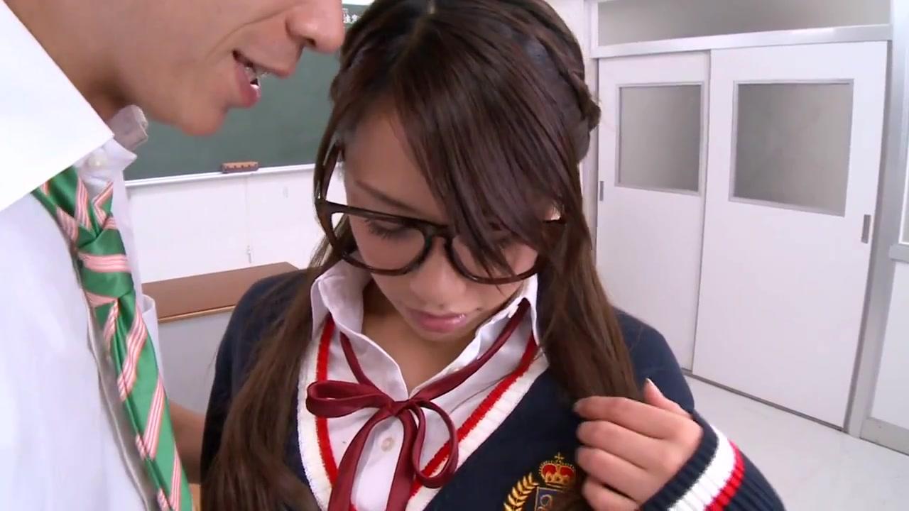 アメリカンスクールのオシャレ娘と教室工●チ 表紙