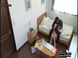 「先生しゅごぃ」黒髪ツインテロリっ娘と母親が家庭教師と3P性交!