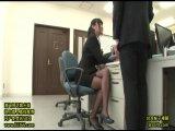 同僚の黒パンストを見てオフィスで発情→見かねた美人OLがその場で生ハメOKくれたw
