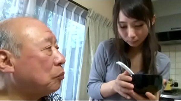 禁断介護 失禁する老人の股間に興奮する色情嫁 - 1h 49 min