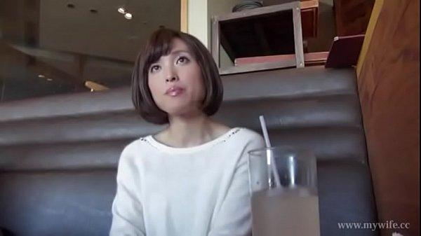 【人妻エロ動画】よっぽどたまってたのか愛撫だけでよがりまくる美人人妻w