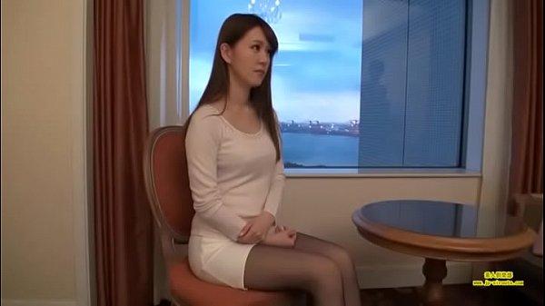 スタイル抜群のスリム美女とホテルで濃厚ハメ!