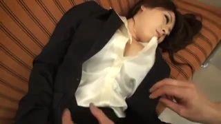 酔っぱらって眠りこけたOLさんのスーツを脱がして容赦なく思いっきりブチ込む!