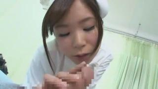 数ヶ月間精を溜め込んで爆発寸前の患者チンポを処理してあげる看護師