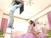 無防備なノーブラ美少女とエアコン修理業者がハプニングで汗だくSEX