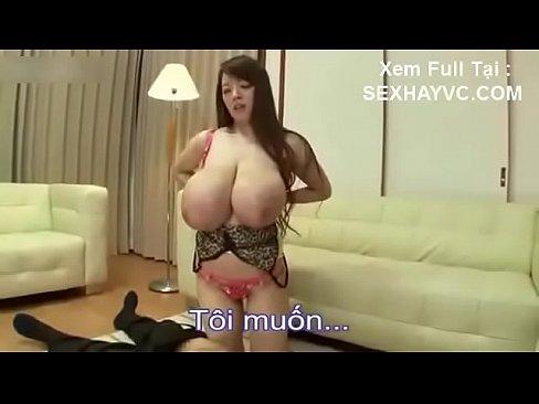 もはやCG級な日本一の巨乳を持つHitomiと中出しセックス!