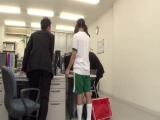GS-102 上司の娘がソソるピチピチブルマ姿で會社に訪ねてきた!