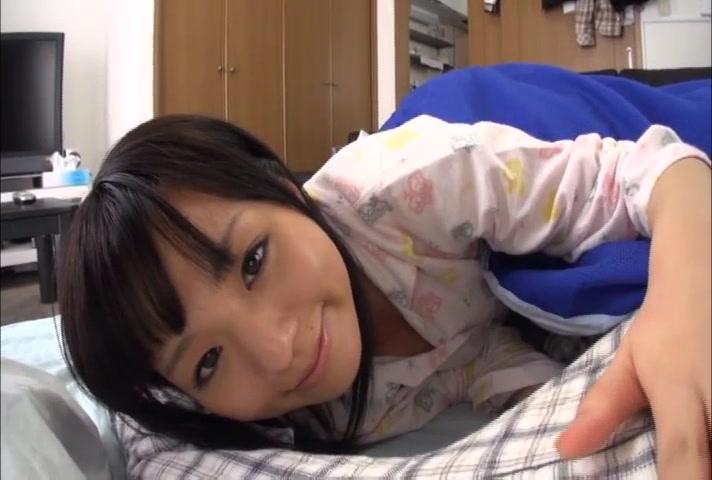 【JC ロリ動画】親の再婚で兄弟になった妹がエロすぎて朝勃ちにしてるのに興味示してきて…