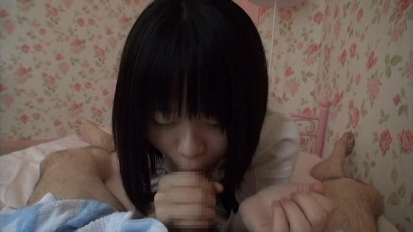 【ハメ撮りエロ動画】童顔の美少女に目隠ししてマンコ弄りまくる